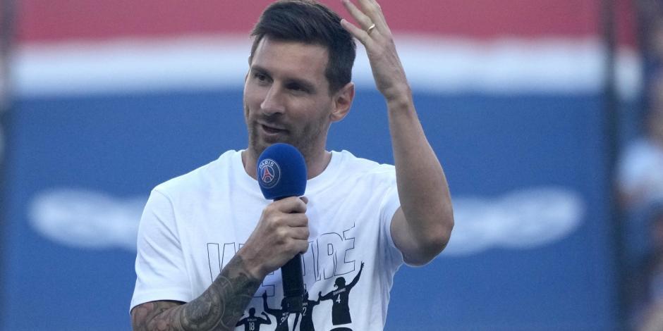 VIDEO: Presentan a Lionel Messi entre tremenda ovación en el estadio del PSG