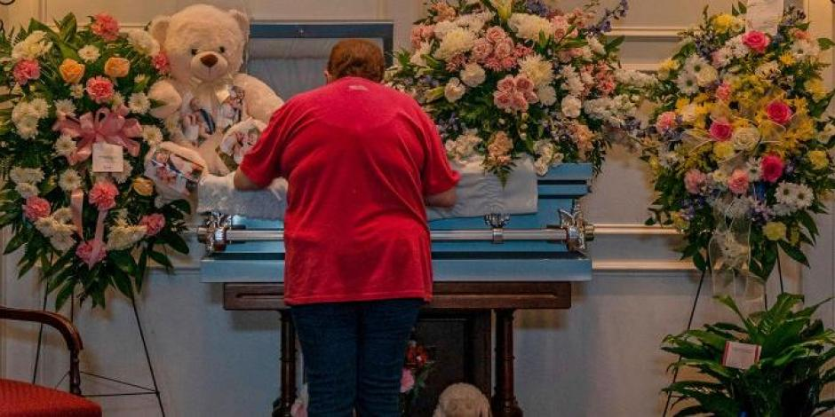 Donador anónimo paga los funerales de los fallecidos en inundaciones en Tennessee