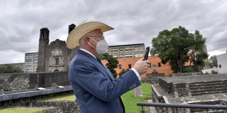 Ken Salazar recorre sitios turísticos tras su llegada a la CDMX