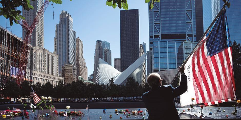 Ciudadanos recuerdan a las víctimas de los atentados, el pasado 11 de septiembre.