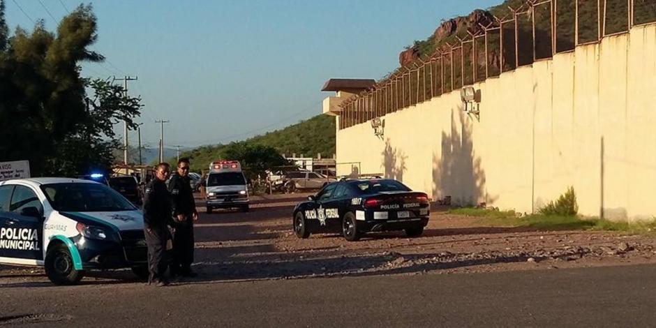 Reos en penal de Sonora fabrican arma y apuñalan a un compañero