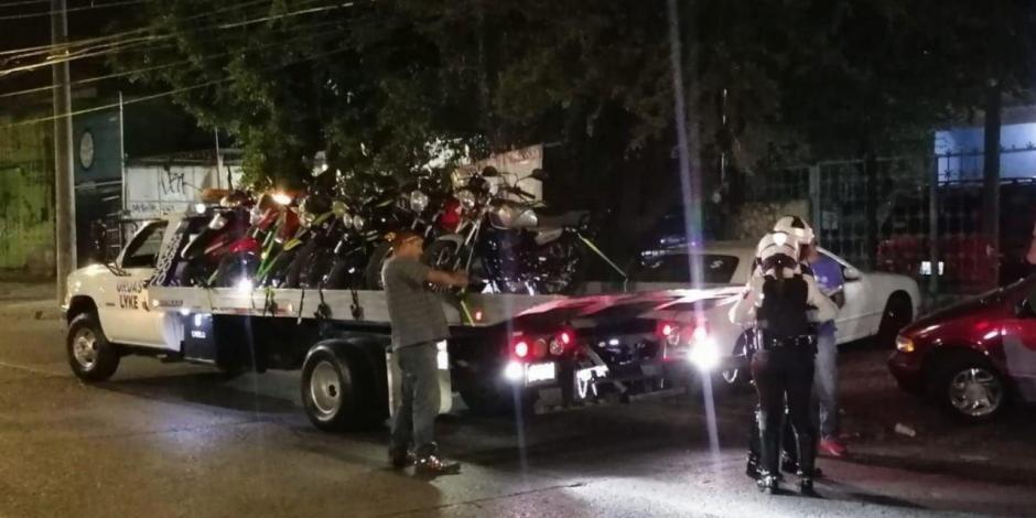 Aseguran 327 motos en carrera clandestina en Guadalajara