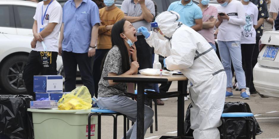 Aún vulnerable al virus, el país más poblado del mundo