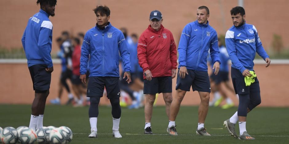 Cinco jugadores dan positivo a COVID-19 en futbol de España