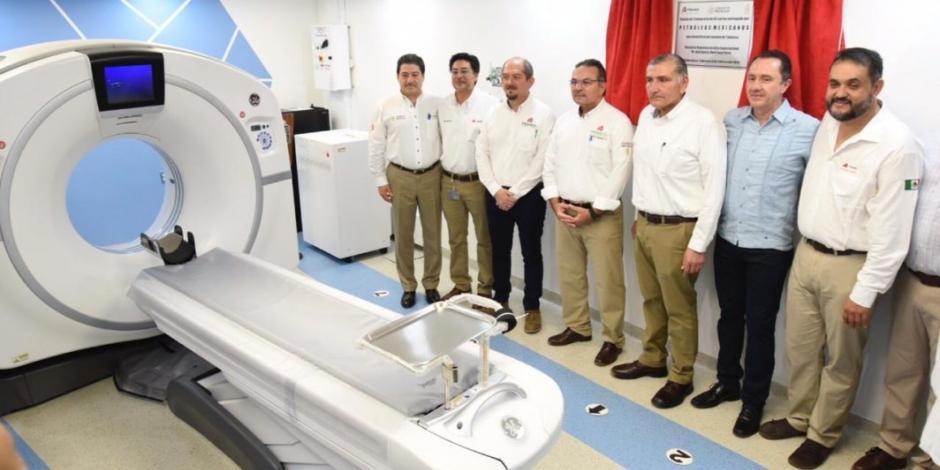 Director de Pemex entrega 32 mdp en equipo médico a hospitales de Tabasco