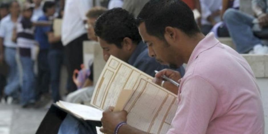 En 3 años, aumenta interés de mexicanos en buscar empleo en el extranjero