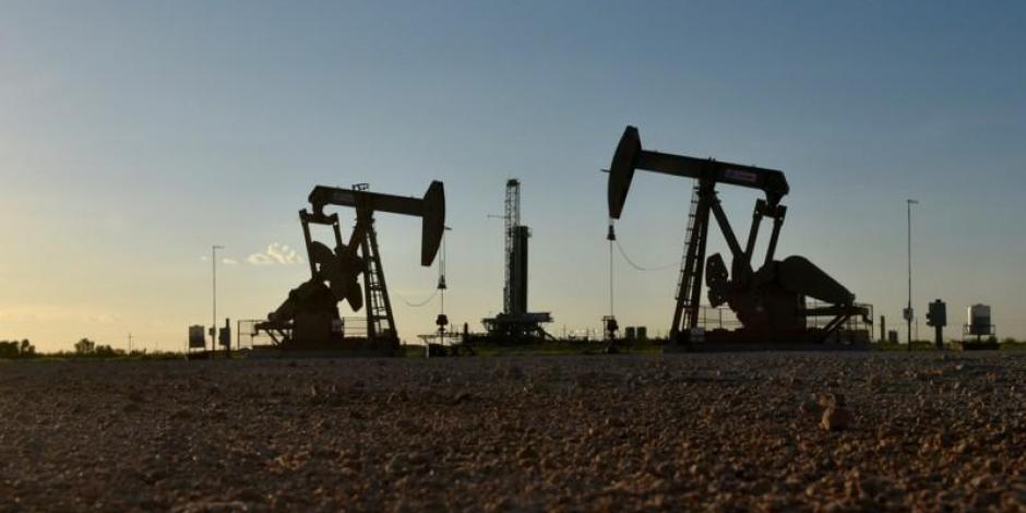 Petróleo WTI sube más de 3% por descenso de inventarios en Estados Unidos