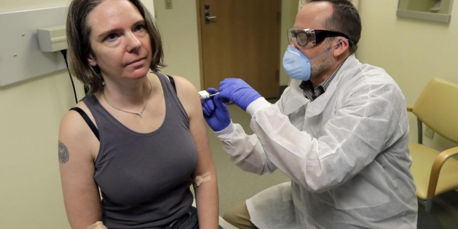 Aplican en Estados Unidos primera vacuna experimental contra Covid-19