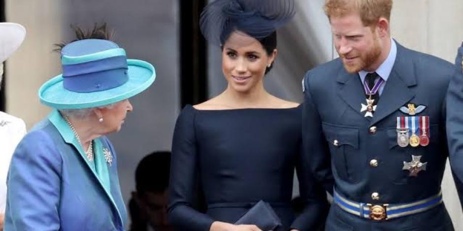 Reina Isabel II, decepcionada por anuncio del Príncipe Harry y Meghan Markle
