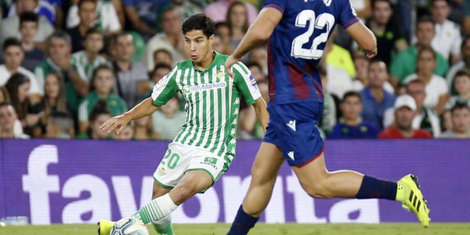 Betis, donde juegan Lainez y Guardado, presenta tres casos de COVID-19