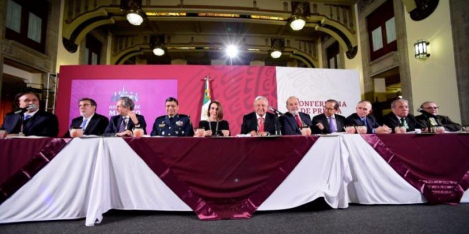 Cena con 75 empresarios por rifa de avión recauda mil 500 mdp, revela AMLO
