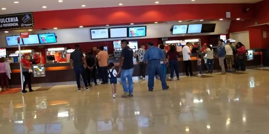 Cinemex apaga temporalmente 'la magia del cine' para combatir COVID-19