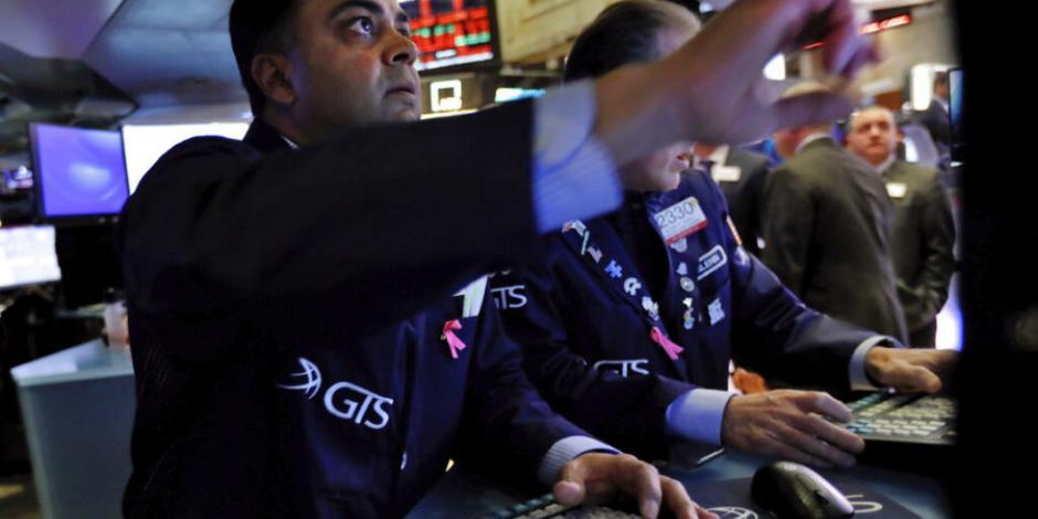 Cae Wall Street ante temores de desaceleración económica por COVID-19