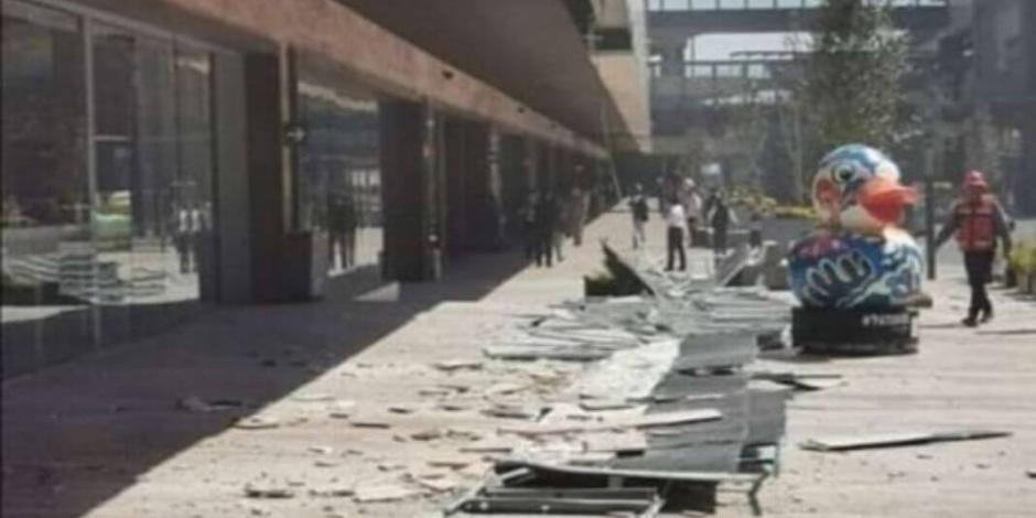 Fachada de centro comercial Gran Terraza Coapa se derrumba