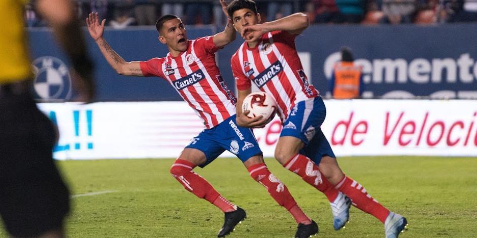 Chivas deja escapar triunfo ante San Luis en tiempo de compensación
