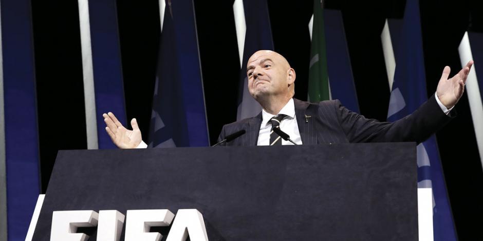 FIFA revoluciona el futbol y permitirá cinco cambios en todo 2020