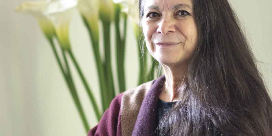 Carmen Boullosa explora el universo con su poesía