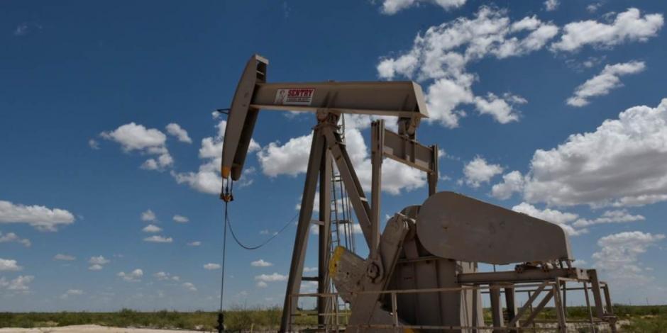 Petróleo intermedio de Texas cae 43%, a 11.57 dólares por barril