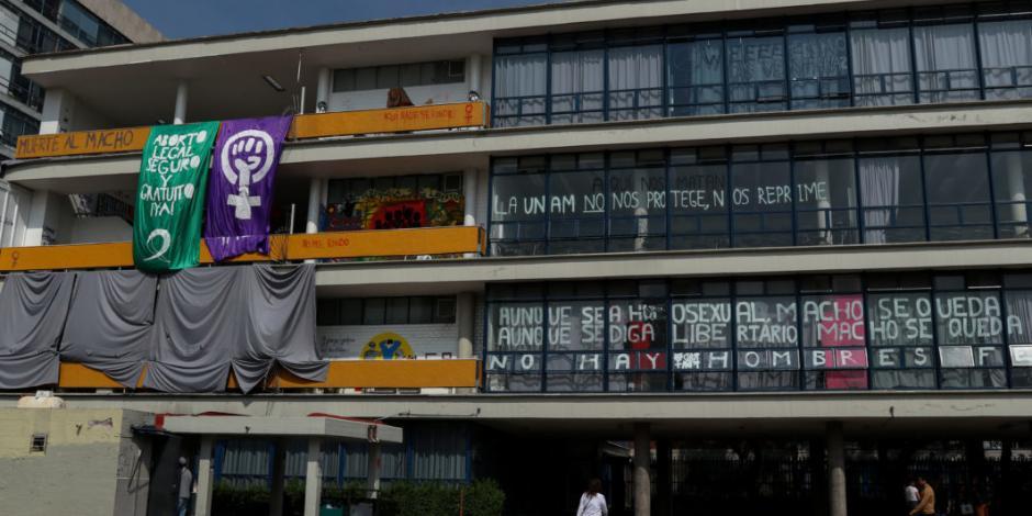 UNAM presenta denuncias por daños en dos prepas y en FFyL