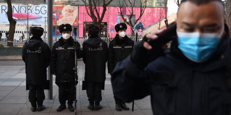 """Pekín expulsa a periodistas que llamaron a China """"verdadero enfermo de Asia"""""""