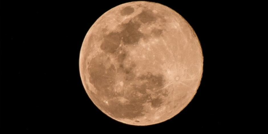 Así se ve la superluna rosa desde México (FOTOS)