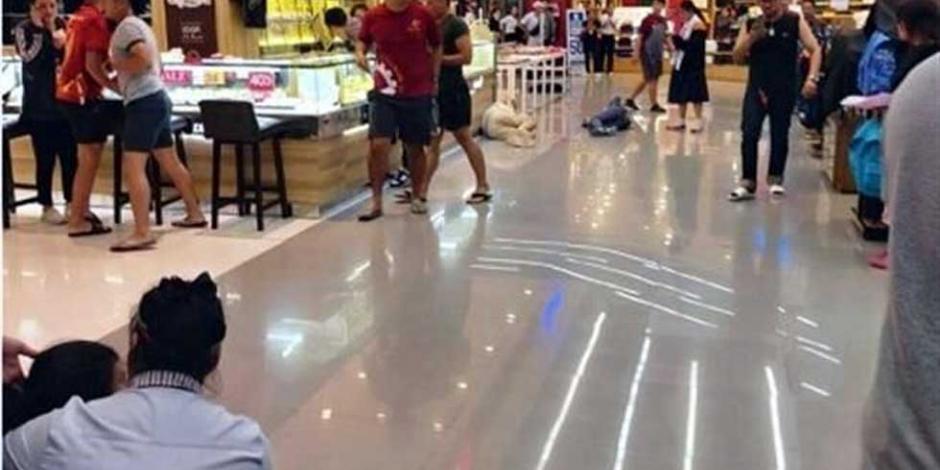 8Feb-Un-soldado-militar-abrió-fuego-en-un-centro-comercial-de-la-ciudad-de-Nakhon-Ratchasima-en-Tailandia.-En-el-ataque-fallecieron-más-de-15