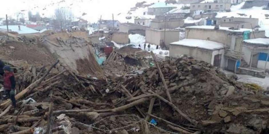 Sismo de 5.7 grados deja 9 muertos en Turquía