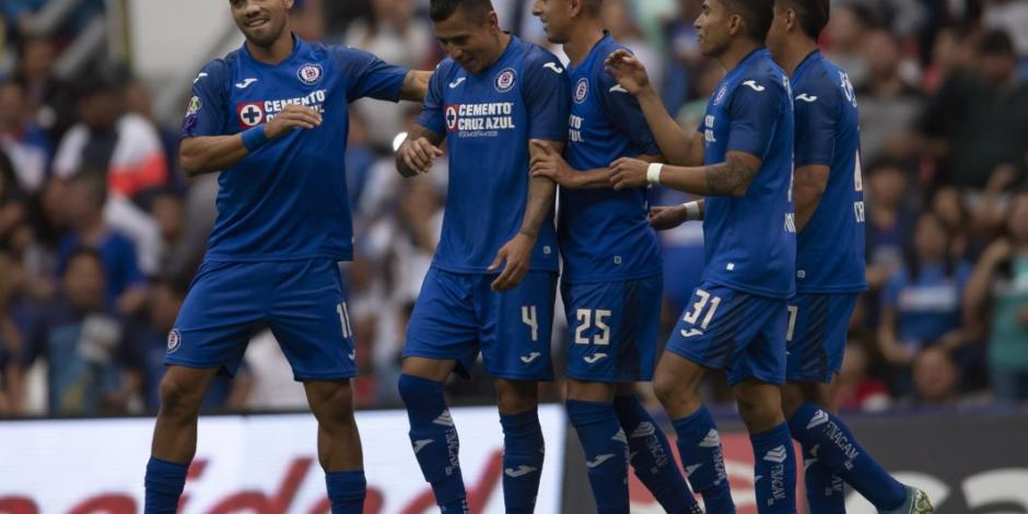 Aficionado le pregunta a López-Gatell si ha considerado darle título a Cruz Azul