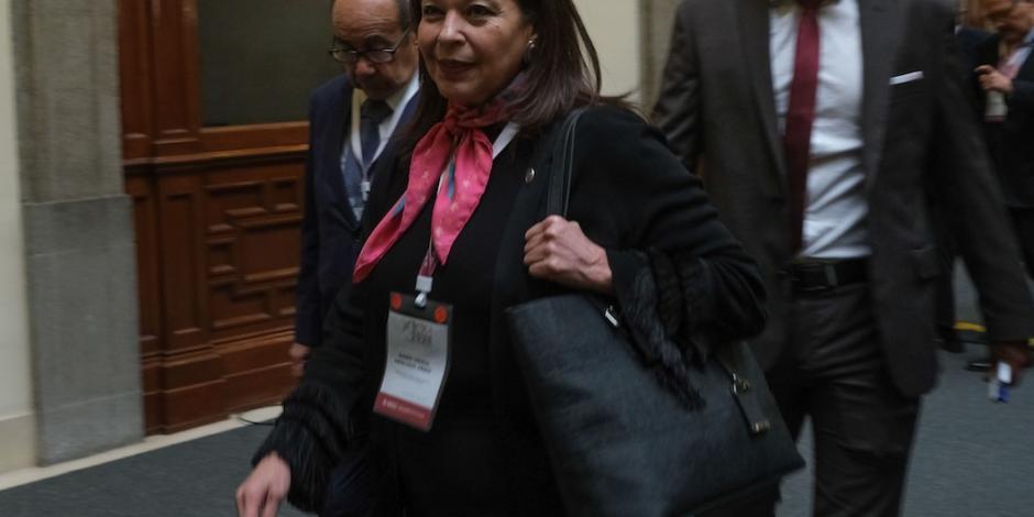 Exembajadora expulsada de Bolivia es ascendida por AMLO
