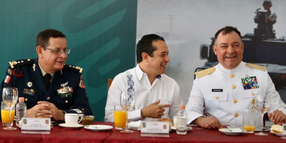 Carlos Joaquín destaca coordinación con Fuerzas Armadas en QRoo