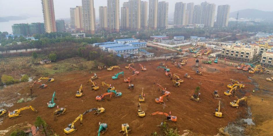 China construye en 10 días hospital especializado en coronavirus Wuhan