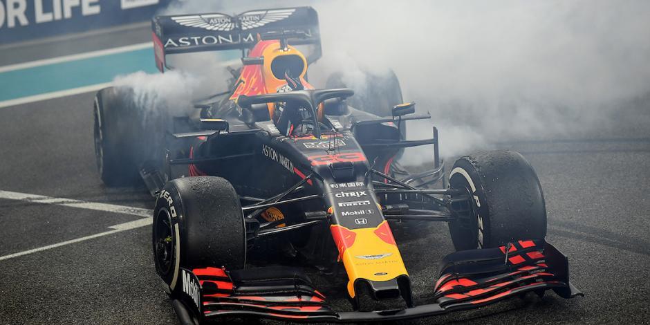 Verstappen se mantiene en Red Bull 3 años más