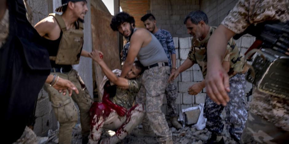 Atacan único aeropuerto en funcionamiento de capital libia