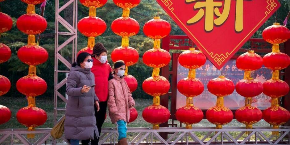 ¡Arriba Wuhan! Así se animan los residentes en cuarentena por el coronavirus (VIDEOS)