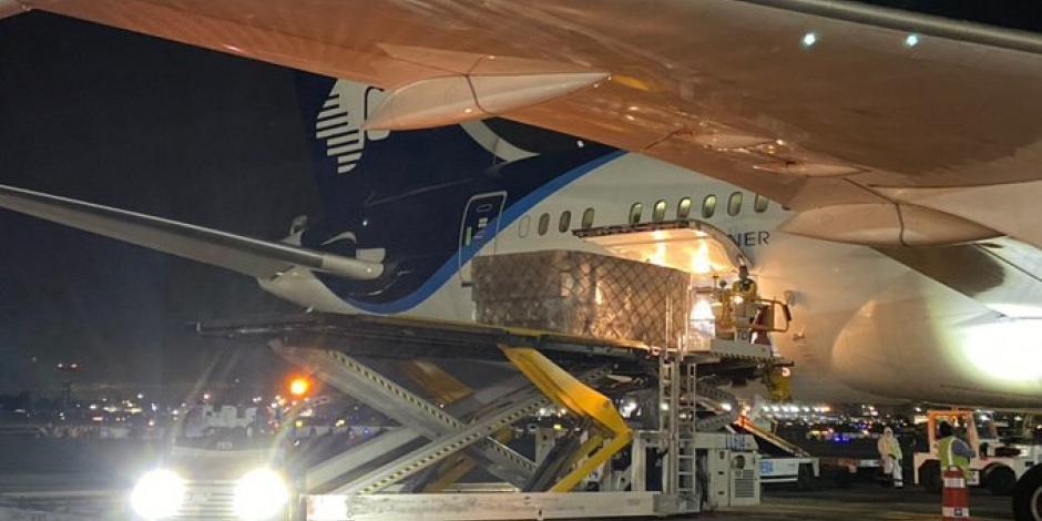 Llega a México octavo vuelo con insumos médicos