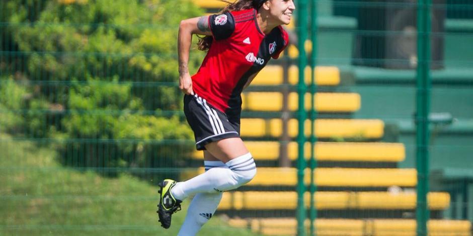 Fabiola Ibarra se luce con gol olímpico en Liga MX Femenil (VIDEO)
