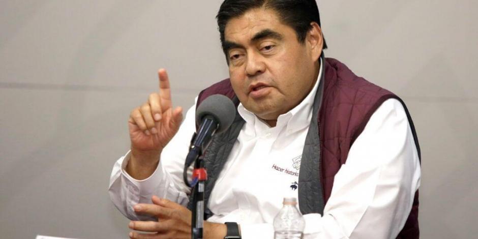 Tras acusación de Barbosa, AMLO envía a subsecretaria de Segob a Puebla