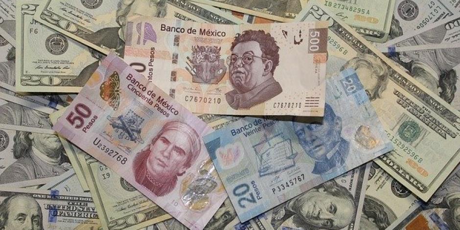 Peso cae 0.60%; dólar cotiza en $24.66 por unidad en bancos