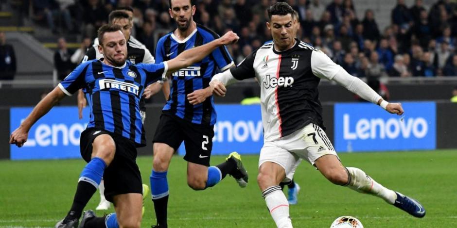 Serie A de Italia analiza posibilidad de culminar temporada con playoffs