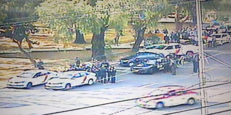 Escoltas y motociclistas desatan balacera en Insurgentes sur