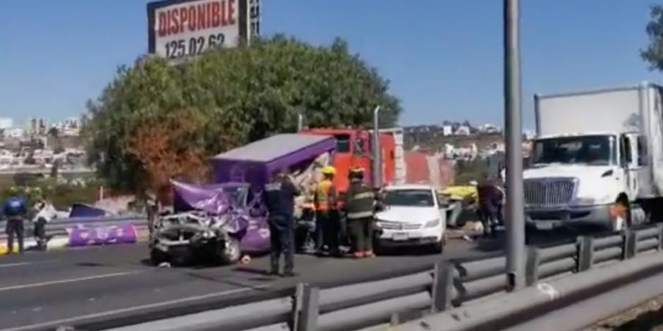 Carambola en la México-Querétaro deja más de 10 heridos