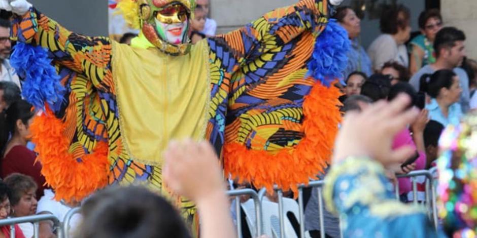 Reparten más de 50 mil condones en el Carnaval de Veracruz