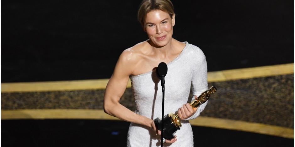 Renée Zellweger se alza como Mejor Actriz en los Oscar