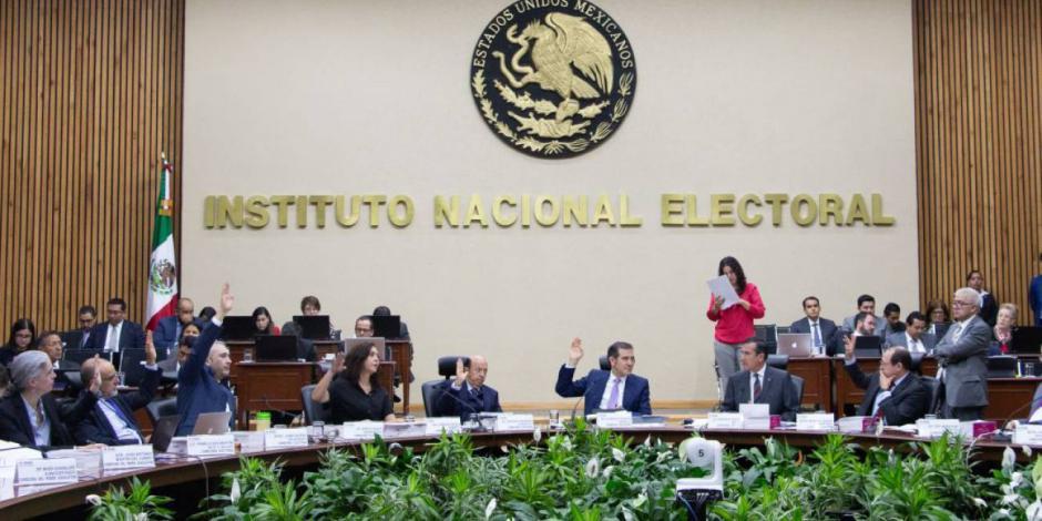 INE abre indagatoria por aumento salarial