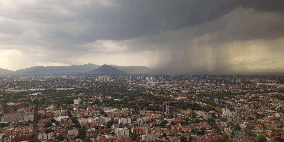 CDMX con pronóstico de lluvia, descargas eléctricas y granizo