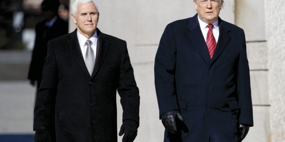 Trump dice que él y Pence se mantendrán separados ante riesgo de contagio