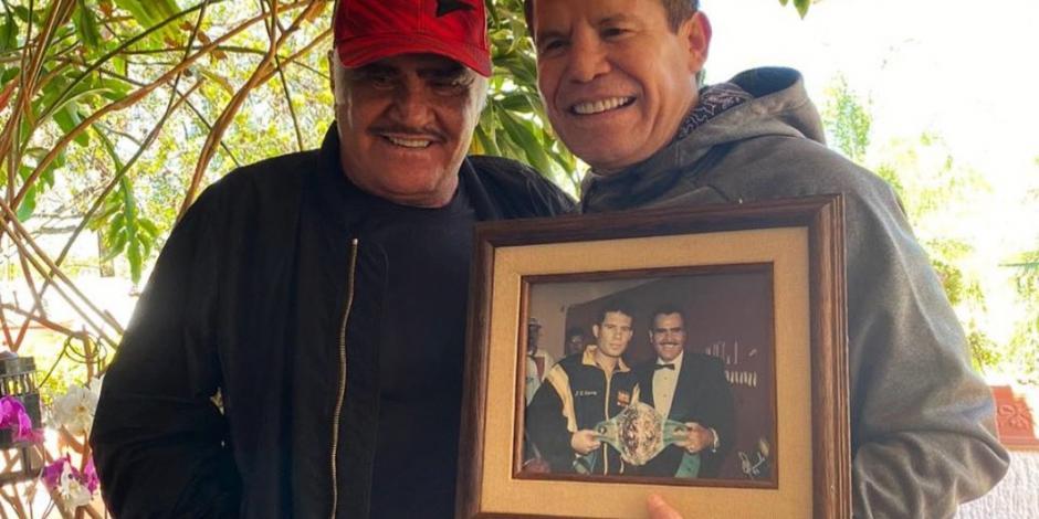 Chávez convive con Vicente Fernández y recuerdan grandes historias