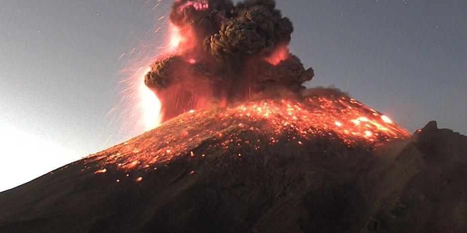 Así se vio la fumarola que emitió el Popocatépetl esta mañana (VIDEO)