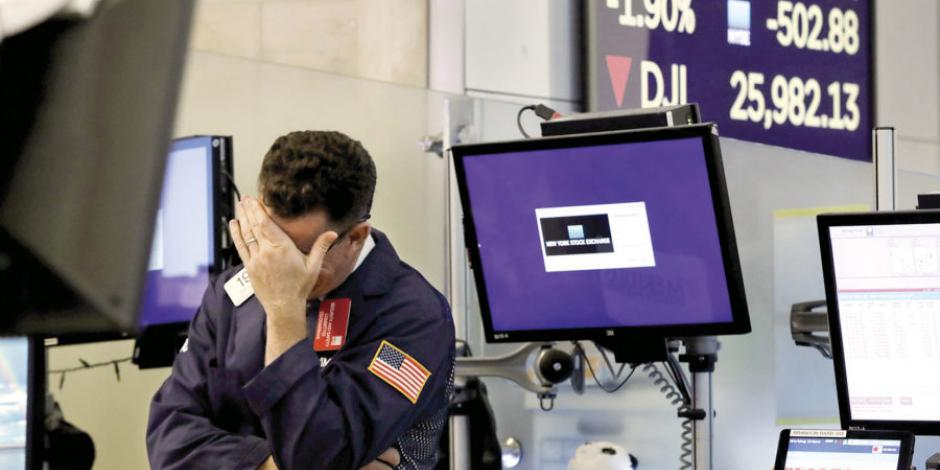 Wall Street abre a la baja por solicitudes iniciales de desempleo