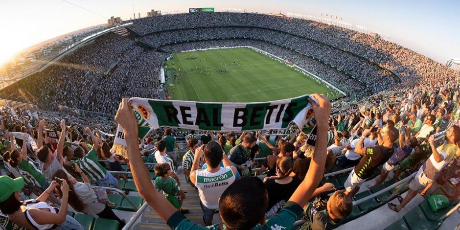 Andrés Guardado y Diego Lainez, con el Betis, reanudarían a LaLiga española